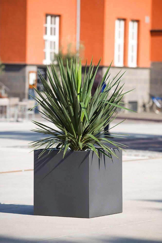 Quadratischer Pflanzkübel aus beschichtetem EDELstahl | ABES
