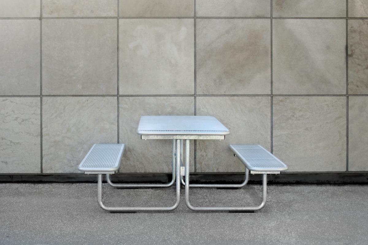 Sitz-Tisch kombi mit Gitter Flächen, Seitenansicht